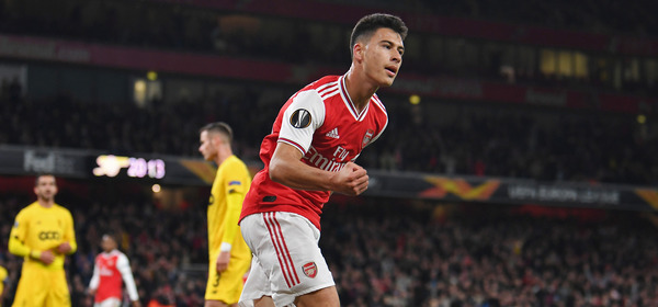 LONDON, ENGLAND - OCTOBER 03: Gabriel Martinelli celebrates scoing the 1st Arsenal goal during the UEFA Europa League group F match between Arsenal FC and Standard Liege at Emirates Stadium on October 03, 2019 in London, United Kingdom. (Photo by David Price/Arsenal FC via Getty Images)
