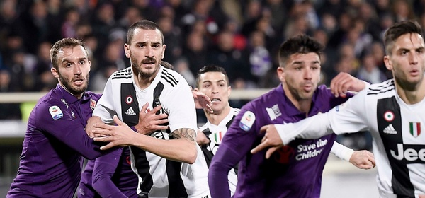 during the Serie A match between ACF Fiorentina and Juventus at Stadio Artemio Franchi on December 1, 2018 in Florence, Italy.