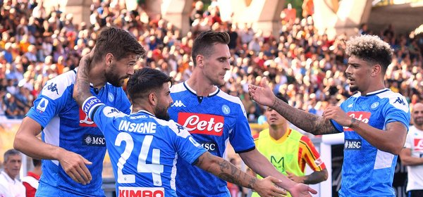 190922 Fotboll, Serie A, Lecce - Napoli: Fernando Llorente of Napoli celebrates with team mates Lorenzo Insigne, Arkadiusz Milik and Malcuit after scoring the goal of 0-1Lecce 22-09-2019 Stadio Via del Mare Football Serie A 2019/2020 US Lecce - SSC Napoli Photo Carmelo Imbesi / Insidefoto © Bildbyrån - COP 139 - SWEDEN AND NORWAY ONLY